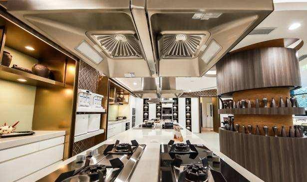 新时代下的新表现作用下 带动厨卫与整体厨房产品迭代升级